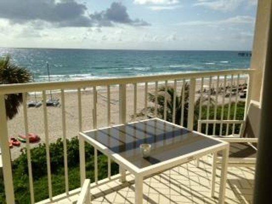 Four Seasons Resort, Palm Beach: Patio, oceanfront suite