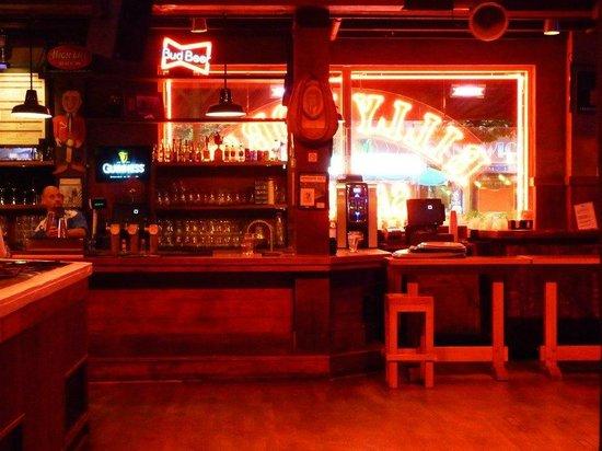 Billy Bob's : Bar