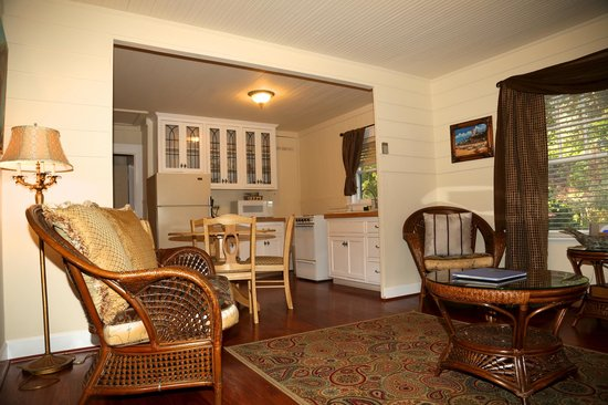 Monarch Cove Inn: Carriage House Cottage