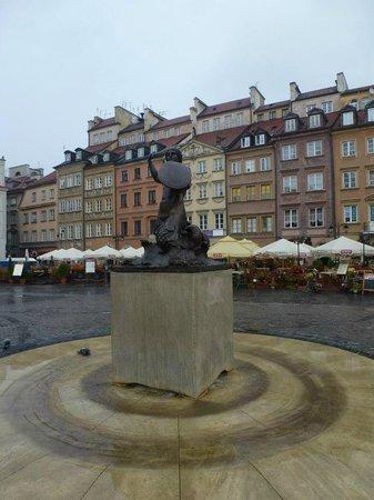 Warsaw Mermaid: A brave mermaid.