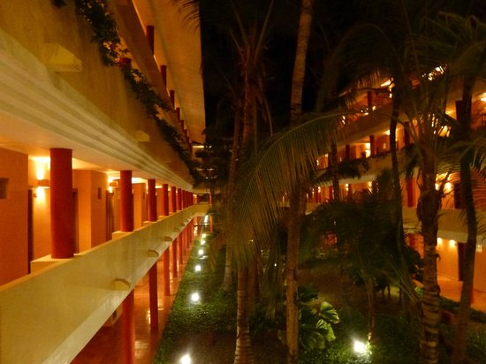 Iberostar Punta Cana: View of the inner part of the hotel
