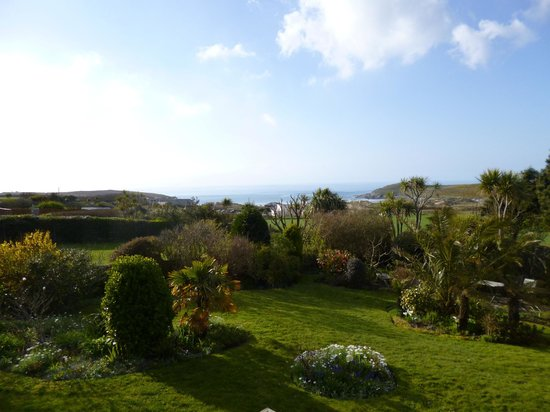 Fairbank Hotel: View from the Garden