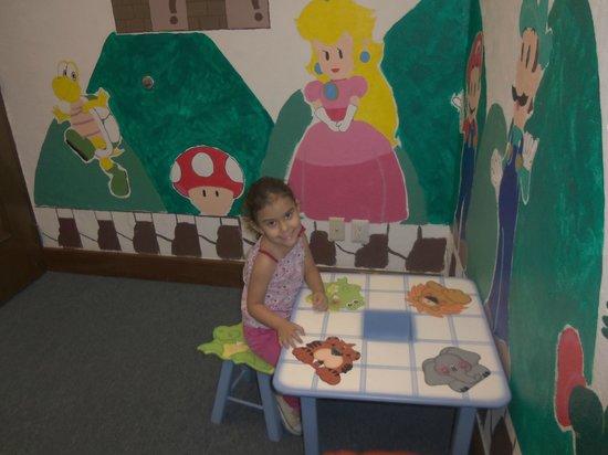 Hampton Inn & Suites Mexico City - Centro Historico: sala de recreo infantil con video juegos