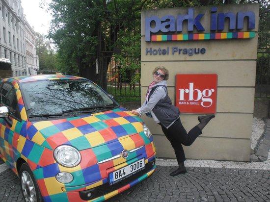 Park Inn Hotel Prague : отель и местность