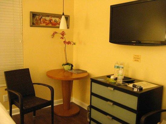 La Flora: classic queen room