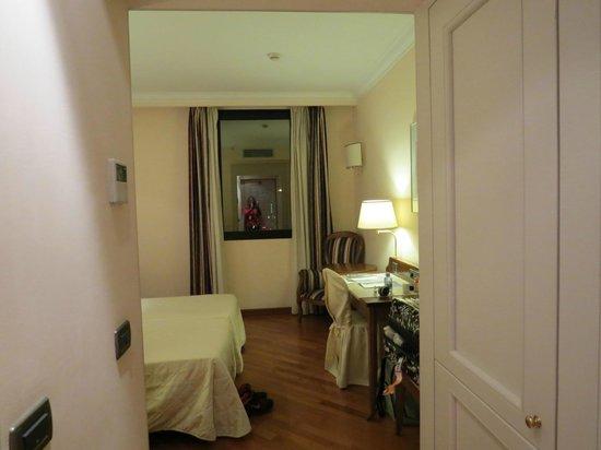 Hotel Laurus al Duomo: entrada do quarto