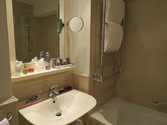 Hotel Laurus al Duomo: banheiro