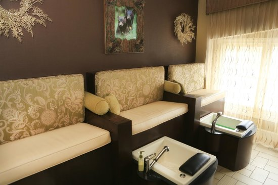 Brasstown Valley Resort & Spa: Mani/Pedi station