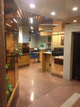 Lido Hotel: ingresso su sala colazione