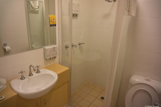 Aurora Alice Springs: bathroom