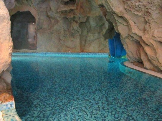 piscina con scivolo per bambini - Foto di Bellavita, Spinetta ...