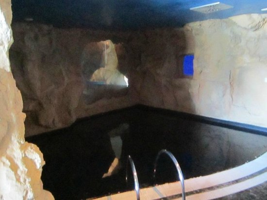 piscina termale con acqua calda - Foto di Bellavita, Spinetta ...