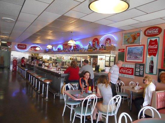 Dawson & Stevens Classic Diner: Counter