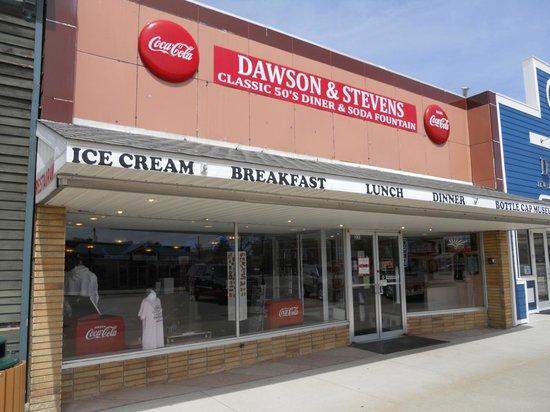 Dawson & Stevens Classic Diner: Entrance