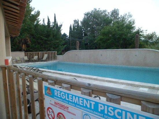 Le Mas de Valrugues: La piscine