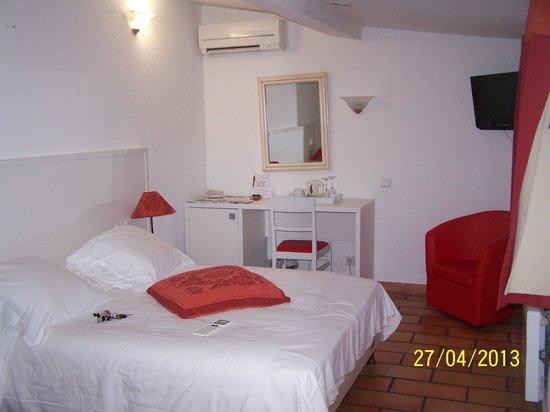 Hôtel Restaurant Le Mas des Ecureuils : Notre chambre n° 12