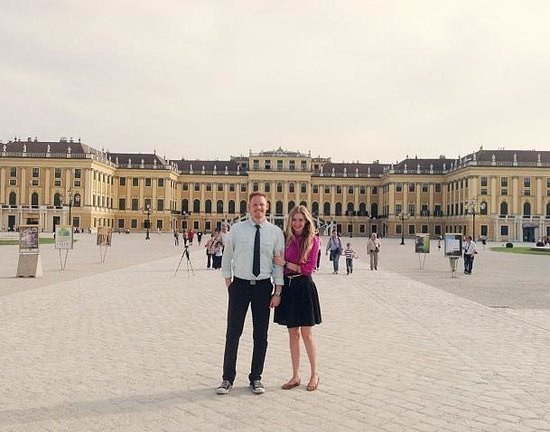 Schloss Schönbrunn Orchester: Palace Tour/Dinner/Concert at Schoenbrunn Palace...A Must!