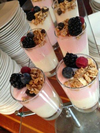 Harbourside Bar & Grill: breakfast buffet at Harborside Bar & Grill