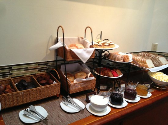 Harbourside Bar & Grill: breakfast buffet