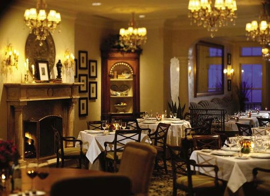 The Spiced Pear : The Formal Dining Room of Spiced Pear