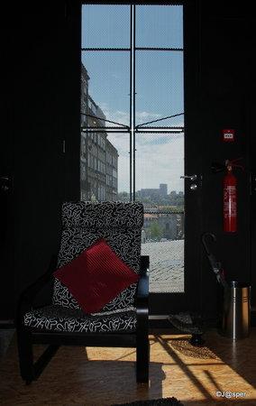 Cale Guest House: uitzicht vanuit de lobby