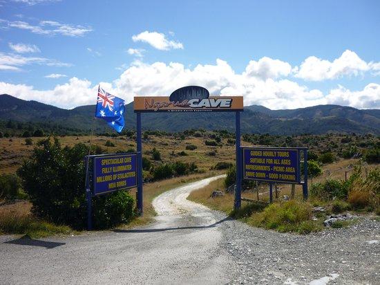 Ngarua Caves: Entrance