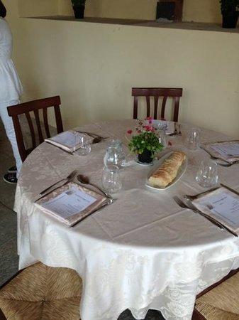 Agriturismo Il Morsetto : tavolo per il pranzo