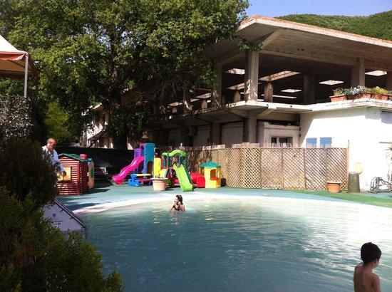 Angolo giochi per bambini rosa pepe terme picture of - Contursi terme piscine ...