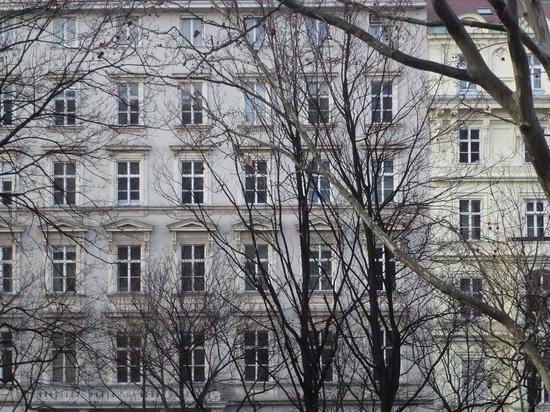 Das Opernring Hotel: Blick auf die Gegenseite des Opernrings