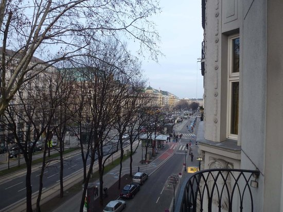Das Opernring Hotel: Blick auf den Opernring