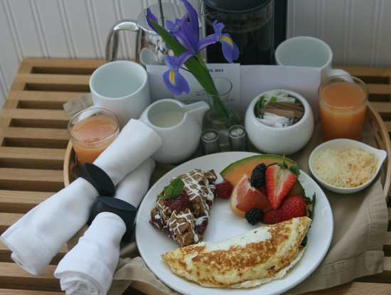Ocean Point Inn & Spa: Breakfast