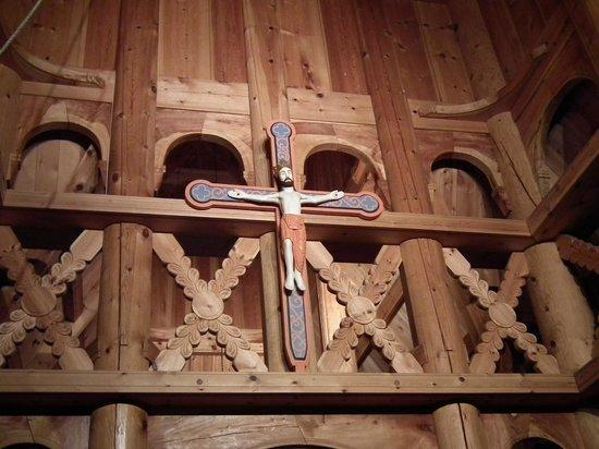 Fantoft Stavkirke : Crocefisso e rinforzi a croce di S.Andrea