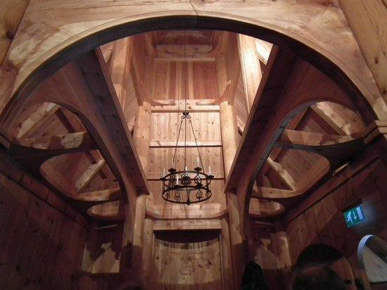 Fantoft Stavkirke : interno