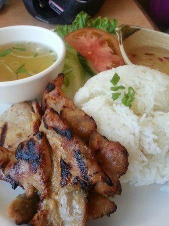 Pho Viet : Grilled chicken steamed rice served with salad, cucumber, tomato, fish sauce and beef soup