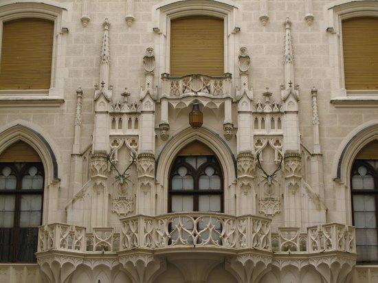 Hluboka Nad Vltavou Castle: zamek Hluboka