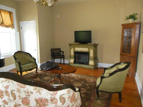 Glendalia Boutique Hotel & Culinary Studio : Living Room in the Proctor Suite