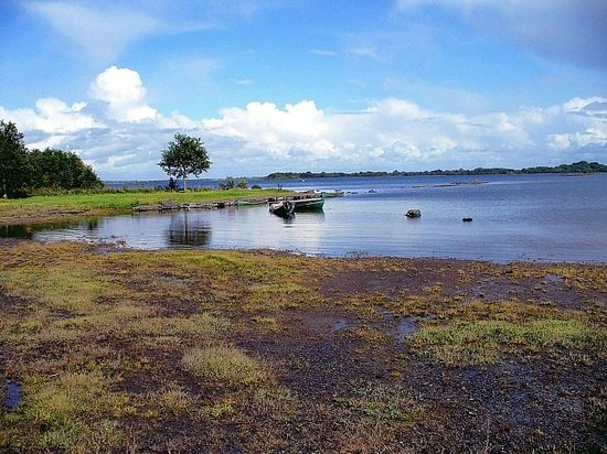The Waterfront House Country Home: Lough Corrib's Shore at front of Waterfront House