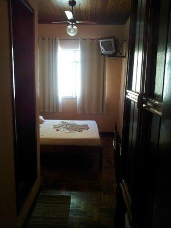 Hotel Orleans: Aspecto do quarto para casal simples