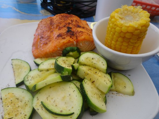 Village Fish Market Restaurant and Lounge: Broiled salmon, corn and steamed zucchini