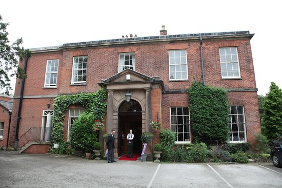 Dovecliff Hall Hotel: Entrance