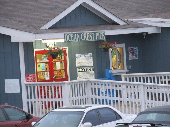 Ocean Crest Motel : Pier Entrance