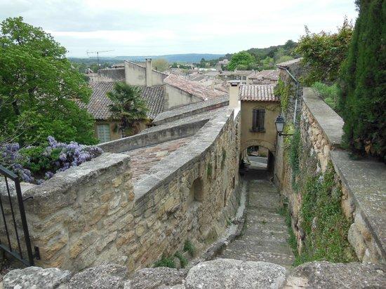 Mas Saint Michel: Rognes - secret passageway
