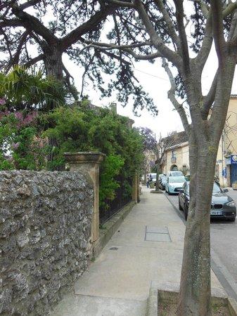 Mas Saint Michel: Streets of Rognes, FR