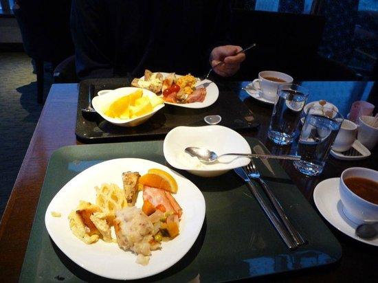 Hotel Metropolitan Tokyo Marunouchi: Marunouchi Breakfast