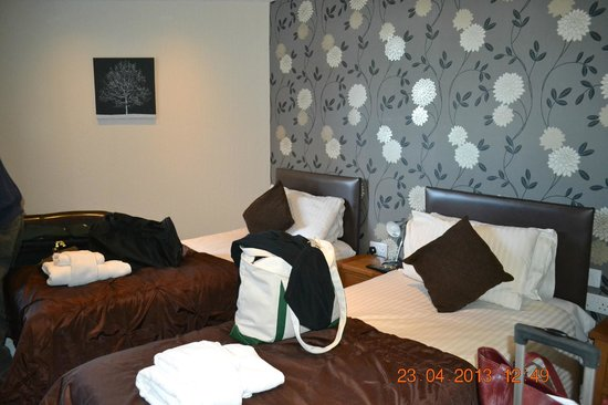 Royal Hotel: Twin Beds
