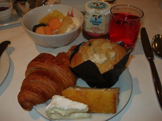 ذا سافوي هوتل: Breakfast