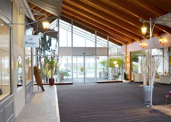 Quality Hotel Alisée Poitiers Nord : lobby