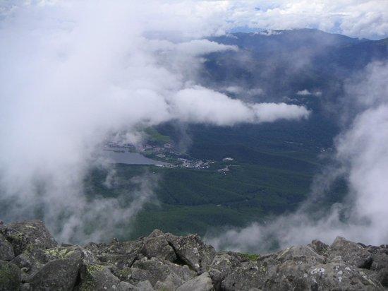 Mt. Tateshina: 蓼科山(山頂から白樺湖)