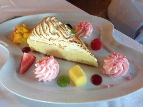 The Pink Elephant : Key lime pie
