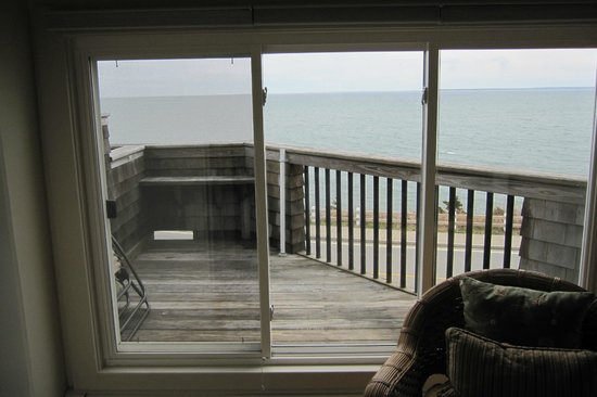 Inn on the Sound : Our balcony/view